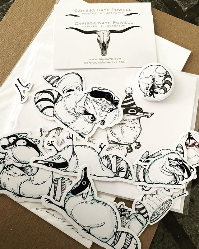 Fantastic collection of raccoons by @simkaye. Thanks, @Opopanax!